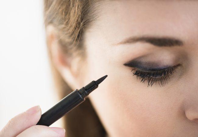 Die Geheimnisse der Make-up-Artists. Auf welche Weise sollte Lidschatten aufgetragen werden?