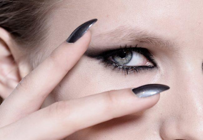 Verschmierter Eyeliner – Hit des kommenden Sommers!
