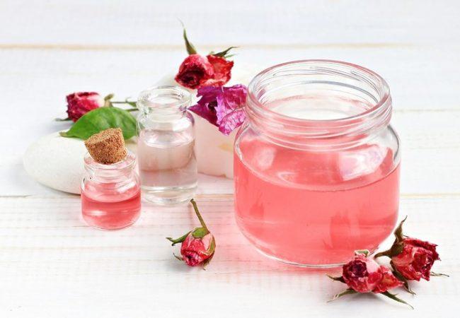 Wie bereiten Sie Rosenwasser vor? Rosenwasser – Eigenschaften und Anwendung