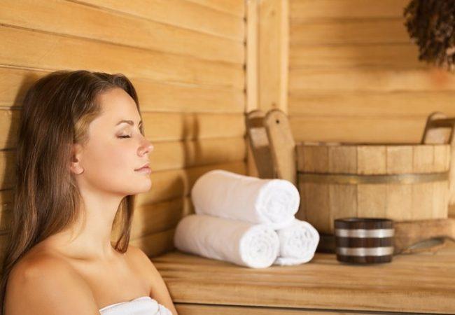120 Grad Celsius für Schönheit: wie wirkt Sauna auf die Haut und das Haar?