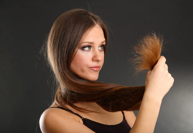 Haarpflege – Methoden gegen geschädigte Haarspitzen