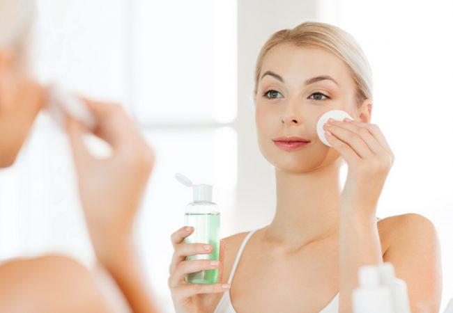 Hautpflege? Probieren Sie die Gesichtswässer mit Säuren aus
