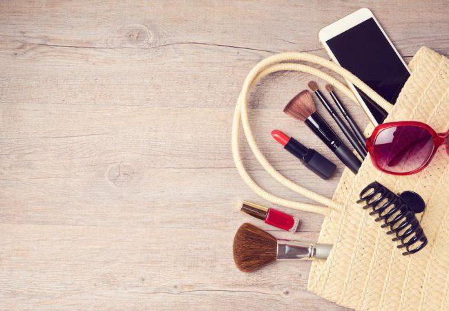 Kosmetiktasche für den Urlaub packen – Tipps