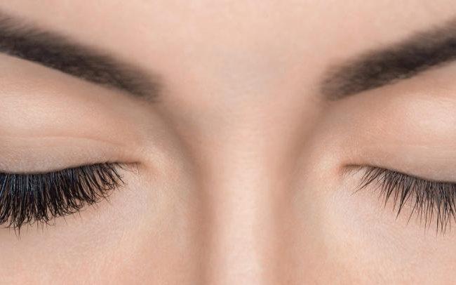 Ihre Mascara kann besser wirken! Tricks für wunderschöne Wimpern