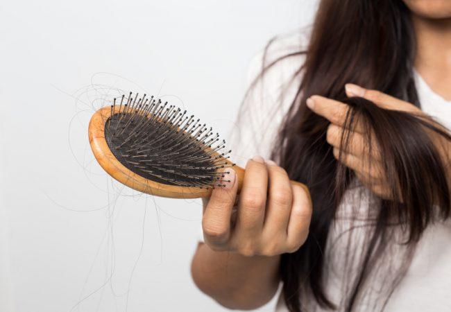 Warum fallen die Haare aus?